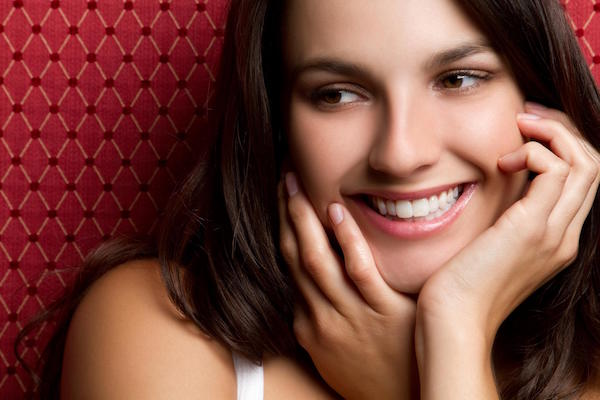 8 Ways to Improve Your Smile and Confidence